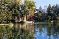 Teich in allgemeinen Gärten Landhaus Borghese Lizenzfreie Stockbilder