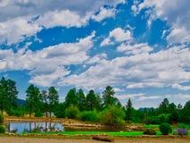 Teich bei Echo Basin Ranch stockfotos