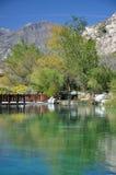 Teich in der Wüste Stockfotos