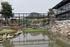 Teich im Park von Nong Nooch Lizenzfreie Stockfotos