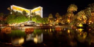 Teich nahe dem Trugbild in Las Vegas lizenzfreies stockbild