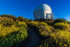 Teide astronomisch waarnemingscentrum in het Eiland van Tenerife, Spanje royalty-vrije stock afbeeldingen