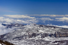 Teide observatorium inom Lava Landscape Royaltyfri Foto