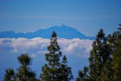 Teide wulkan Tenerife od Granu Canaria obraz royalty free