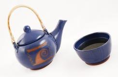 Teiera con tè caldo Fotografia Stock Libera da Diritti