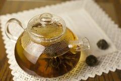 Teiera e tè verde cinese Fotografie Stock