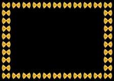 Teigwaren auf dem schwarzen Hintergrund Lizenzfreies Stockbild