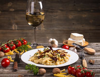 Teigwaren mit Käse stockbilder