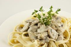 Teigwaren mit Pilzen Lizenzfreies Stockfoto