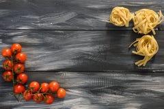 Teigwaren mit Tomaten Stockbild