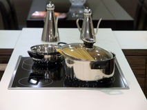 Teigwaren-Potenziometer mit Colander   Stockbilder