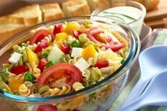 Teigwaren-Salat mit Gemüse Lizenzfreies Stockbild