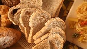 Teigwaren und Brot stock footage