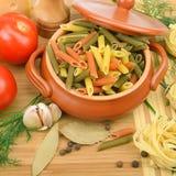 Teigwaren und Gemüse Lizenzfreie Stockfotos