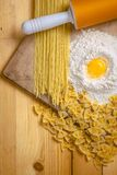 Teigwaren und Mehl Stockbild