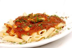 Teigwaren und Tomatensauce Lizenzfreie Stockfotos