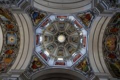 Teil der Haube in der Salzburg-Kathedrale Lizenzfreie Stockfotos