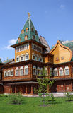 Teil des königlichen Palastes in der alten russischen Art Lizenzfreie Stockbilder
