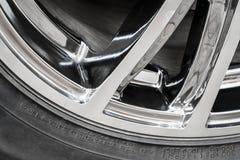 Teil des Rades einer Autonahaufnahme Stockbild