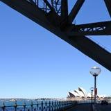 Teil von Sydney Harbour Bridge und von Sydney Opera House in Sydney A Lizenzfreie Stockfotos