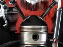 Teile des alten Flugzeugmotors Nussverbindungsrohre, Düsen, Zylinder, Isolierung der Verbrennungskammer lizenzfreies stockfoto