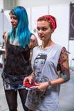 Teilnehmer an der 10. internationalen Tätowierungs-Vereinbarung in Kongress-AUSSTELLUNG Mitte Stockfotografie
