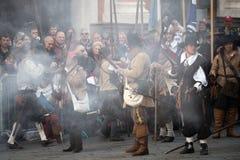 Teilnehmer der mittelalterlichen Kostümparty Lizenzfreie Stockfotos