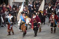 Teilnehmer der mittelalterlichen Kostümparty Stockbild