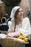 Teilnehmer der mittelalterlichen Kostümpartei Lizenzfreies Stockfoto
