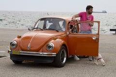Teilnehmer der Sammlung bereisen Amical in ihrem Auto Ein klassischer Ca Stockfoto