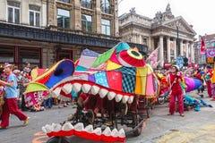 Teilnehmer der Zinneke-Parade 2018, Brüssel lizenzfreie stockfotos