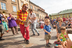 Teilnehmer am jährlich (9.-12. Juli) 28. internationalen Festival von Straßen-Theatern Stockfotos