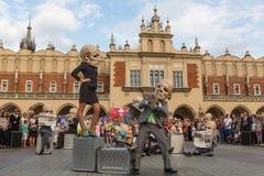 Teilnehmer am jährlich (9.-12. Juli) 28. internationalen Festival von Straßen-Theatern Lizenzfreies Stockbild