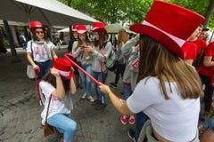 Teilnehmer von Queima DAS Fitas führen - traditionelle Festlichkeit von Studenten der portugiesischen Universitäten vor Lizenzfreie Stockbilder
