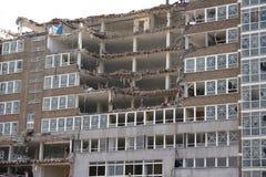 Teils demoliertes Gebäude Stockbild