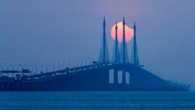 Teilweise Sonnenfinsternis in Penang-Brücke Malaysia Lizenzfreies Stockbild