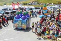 Teisseirecaravan in Alpen - Ronde van Frankrijk 2015 Stock Foto's