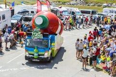 Teisseirevoertuig in Alpen - Ronde van Frankrijk 2015 Stock Foto