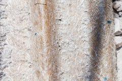 Teja de techumbre vieja del vidrio de fibra Foto de archivo
