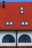 Teja de tejado con las ventanas 2 Imagen de archivo