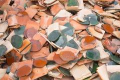 Teja de tejado quebrada Foto de archivo libre de regalías