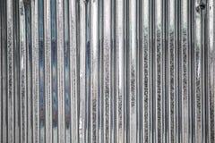 Teja del techo de la onda del cinc foto de archivo