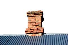 Tejado aislado Ridge con la chimenea Imagen de archivo libre de regalías