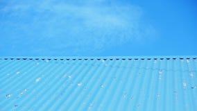 Tejado azul. Fotografía de archivo libre de regalías
