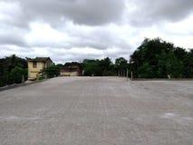 tejado concreto nuevamente construido imagenes de archivo