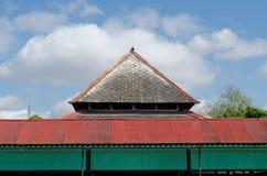 Tejado de Bangsal Srimanganti, un pasillo dentro del palacio del sultanato de Yogyakarta Foto de archivo libre de regalías