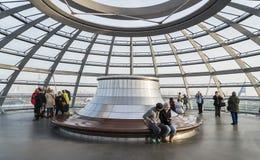 Tejado de cristal de la bóveda de Reichstag - alemán el Parlamento alemán Imagen de archivo libre de regalías