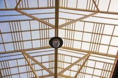 Tejado de cristal del edificio imágenes de archivo libres de regalías
