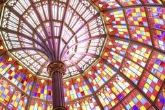 Tejado de cristal de la mancha en un edificio Imágenes de archivo libres de regalías