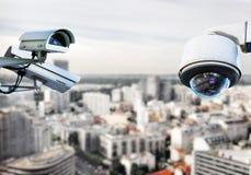 Tejado de París del sistema de vigilancia del CCTV Fotografía de archivo libre de regalías